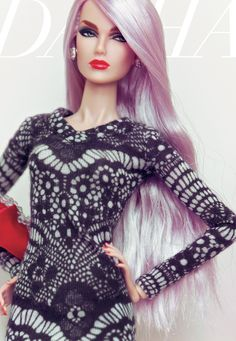 Barbie keepin' up with the current beauty trends, and rockin' the lavender-colored locks!! Well done, Doll! ;)
