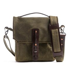 1c5a92c8bef20 Saddleback Leather Mountainback Indiana Gear Bag Moss Green   Learn more by  visiting the image link.