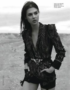 Gorgeous blazer (Jenny Gage and Tom Betterton for ELLE France)