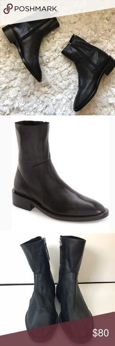 """TopShop Artichoke Bootie Size 38/ 7.5 Clean, minimalist style makes this contemporary leather bootie a go-to off-duty essential. 1 1/2"""" heel (size 39) 7"""" shaft Side zip closure Leather upper and lining/synthetic sole Made in Spain Topshop Shoes Ankle Boots & Booties"""