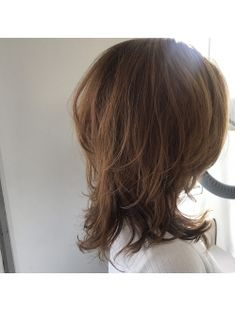 マッシュウルフ Thick Hair Styles Medium, Medium Long Hair, Long Hair Styles, Balayage Hair Copper, Balayage Hair Blonde, Thin Hair Haircuts, Shag Hairstyles, Subtle Purple Hair, Messy Curly Hair