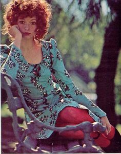gold country girls: Betsey Johnson For Butterick Seventies Fashion, 60s And 70s Fashion, Retro Fashion, Vintage Fashion, Patti Hansen, Lauren Hutton, Vintage Outfits, Vintage Dresses, Betsey Johnson