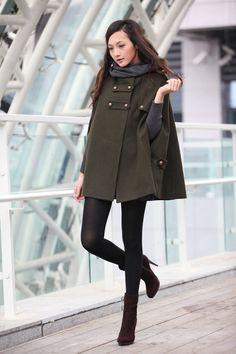 Winter coat, military inspired. Green Cape Cashmere Double Breasted, Sophiaclothing.
