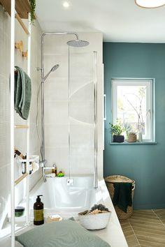 Useful Walk-in Shower Design Ideas For Smaller Bathrooms – Home Dcorz Natural Bathroom, Small Bathroom, Bathroom Design Layout, Walk In Shower Designs, Diy Bathroom Decor, Bedroom Vintage, Home Remodeling, Bathroom Remodeling, Bathtub