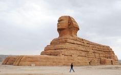 Una réplica exacta de la Esfinge de Giza en el Parque de Reliquias Culturales de la Ruta de Seda en Lanzhou, China (Imaginechina, 2016)