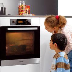 bezpecne v kuchyni Home Decor, Decoration Home, Room Decor, Home Interior Design, Home Decoration, Interior Design