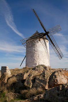 En un lugar de La Mancha cuyo nombre no sabemos sucedió esta historia añeja que pronto recordaremos.  Los Yébenes, Toledo,  Spain