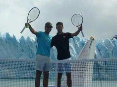 Rafael Nadal and Novak Djokovic played a round of mini-tennis atop the Perito Moreno glacier in Argentina. The exhibition, sponsored by the National Institute of Touristic Promotion and aptly label… Tennis News, Sport Tennis, Play Tennis, Rafa Nadal, Tennis World, 22 November, Tennis Stars, Tennis Players, El Calafate