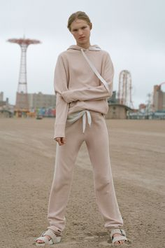 See the complete Rag & Bone Resort 2018 collection.