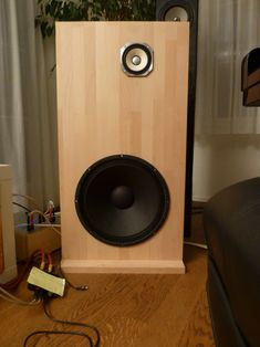 Open baffle using Fostex and Eminence Alpha 15 Open Baffle Speakers, Diy Speakers, Audiophile Speakers, Stereo Speakers, Acoustic Room Treatment, Sound Room, Speaker Box Design, High End Audio, Electronics