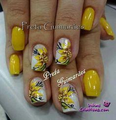 Feather Nail Art, Glitter Nail Art, Aycrlic Nails, Dope Nails, Short Gel Nails, Colorful Nail Designs, Yellow Nails, Flower Nails, Nail Arts