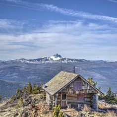 The top of Black Butte has been getting a lot of Instagram love lately - and for good reason. : @tophe30  #visitcentraloregon #upperleftusa