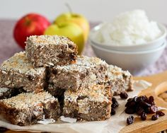 Baked Apple Cinnamon Quinoa Squares / The Healthy Foodie