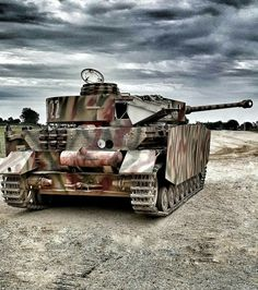 Panzer Iv, Military Armor, Camo Colors, Military Modelling, Ww2 Tanks, German Army, Armored Vehicles, World War Ii, Military Vehicles