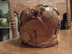 Side of beryl carved butterfly