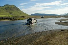 The 6 Must-See Places in Iceland Mount Elbrus, Road Routes, Road Trip, Off Road Adventure, Ga In, Mountain Village, Train Travel, Rafting, Blue Lagoon