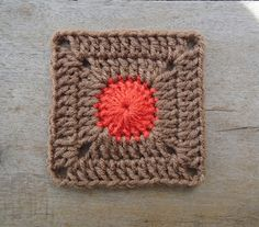 Stitch of Love: Dotty Solid Square - Free crochet pattern. This looks nice as a two row mini square too.