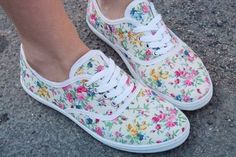 super cute shoes! want them!