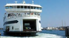 Ferry pulling into Vineyard Haven