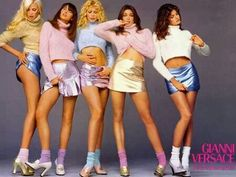 Gianni Versace Fall/Winter 1994 collection Photographed by Richard Avedon. Models (from left to right): Nadja Auermann, Christy Turlington, Claudia Schiffer, Cindy Crawford & Stephanie Seymour. Image from THE FASHION SPOT community forum. 1990s Fashion Trends, Fashion 90s, Fashion Week, Look Fashion, Vintage Fashion, 80s Trends, Fashion Brands, Fashion Websites, Fashion Advice
