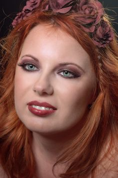 smokey eyes: Marsala colour Marsala, Smokey Eye, Beauty Makeup, Eyes, Smoky Eye, Cat Eyes, Marsala Wine, Gorgeous Makeup