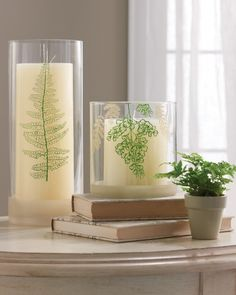 Easily add a touch of nature to glass candle sleeves with these fern-inspired silkscreens. Click the project.