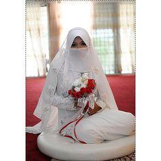 #hijab #burqa #hijaab #arab #modesty #Abaya #Niqab #Jilbab #purda #nikah #muslimah #husband #wife #niqabi #selfielife #hijabi #beautiful #love #halalLove #muslims #nohardfeelings #jihad #selfielife #selfie