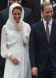 Royal tour of the Far East and South Pacific - Day Four