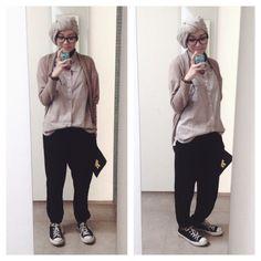 Ootd hijab style : slouchy pants, converse, cardigan, shirt, turban #fien
