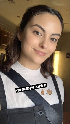 Riverdale Funny, Riverdale Cast, The Cw, Camila Mendes Veronica Lodge, Camila Mendes Riverdale, Riverdale Veronica, Camilla Mendes, Celebs, Celebrities