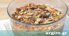 Εύκολο γλυκό ψυγείου με πτι μπέρ και γκοφρέτα από την Αργυρώ Μπαρμπαρίγου | Μέσα σε λίγα μόνο λεπτά, φτιάξτε το πιο λαχταριστό γλυκό που έχετε δοκιμλασει! Cereal, Oatmeal, Cooking, Breakfast, Recipes, Food, Beverage, Cakes, The Oatmeal