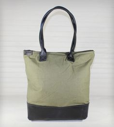 Canvas & Leather Tote Bag | Women's Bags & Accessories | R. Riveter | Scoutmob Shoppe | Product Detail