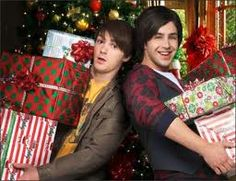Drake and Josh Christmas Drake And Josh Christmas, Movies And Tv Shows, Movie Tv, Comedy, Memories, Couple Photos, Couples, Instagram, Clouds