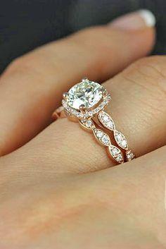 SO pretty! #RoseGold #RoseGoldRing #EngagementRing