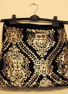 Kup mój przedmiot na #vintedpl http://www.vinted.pl/damska-odziez/spodnice/8397845-stradivarius-spodnica-mini-ze-zlotymi-cekinami-rozm-m