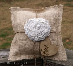 burlap ring bearer's pillow. We can make this right Kristi??