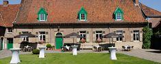 Salons de Romree staat al 25 jaar garant voor uw feesten en bedrijfsevenementen. De unieke locatie op de grens van Brussel biedt tal van mogelijkheden.