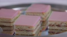 Koko Suomi leipoo -ohjelman kuudennessa jaksossa teknisenä tehtävänä oli valmistaa aleksanterinleivos.