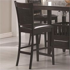 #coo Create a #contemporary and casual dining escape with the #Jaden collection. Crafted from select hardwoods and oakum veneers, this part of the Jaden collectio...