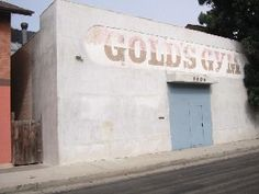 Remembering The Golden Era Of Bodybuilding, Gold's Gym. By Physique Bodyware. - Physique Bodyware Workout and Bodybuilding clothing Venice California, California History, Southern California, Gold's Gym, Bodybuilding Clothing, Gym Photos, Pumping Iron, Best Gym, Venice Beach