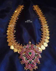 Kemp Pendant Kasumalai Necklace By Sashti Silver Jewellery! Real Gold Jewelry, Gold Jewellery Design, Indian Jewelry, Jewlery, Ruby Necklace Designs, Temple Jewellery, Wedding Jewelry, Gold Designs, Necklace Set