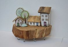 Check out our driftwood home decor selection for the very best in unique or custom, handmade pieces from our shops. Wooden Key Holder, Wall Key Holder, Wood Block Crafts, Wood Projects, Wooden Art, Wooden Toys, Small Wooden House, Small Houses, Ceramic Houses