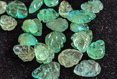 2Pcs Natural Emerald Drilled Droups Cabochon