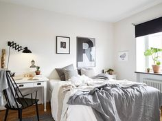 Cozy and bright small bedroom.