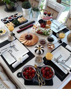 Breakfast Presentation, Food Presentation, Breakfast Table Setting, Dessert Buffet, Food Decoration, Food Platters, Cafe Food, Food Themes, Aesthetic Food