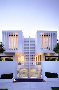 50 Modern House Designs Ever Built! - Architecture Beast Modernist House modernist house designTop 50 Modern House Designs Ever Built! Architecture Design, Modern Residential Architecture, Facade Design, Exterior Design, Design Design, Design Ideas, Architecture Today, Fence Design, Modern Townhouse