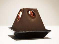 Alexander Lervik, Lumière au Chocolate, Chocolate Lamp, Stockholm, Sweden, LED Lamp, Melting Chocolate, SAAS Instruments, Galleri Kleerup, Edible Lamp