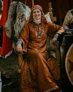 Douches reenactment of Kievan Rus 9th - 10th century. Take a look on that beautiful brocade fabric and even more beautiful jewelry which is representing her high nobility status