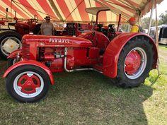 Antique Tractors, Vintage Tractors, Antique Cars, Tractor Farming, Tractor Mower, Farmall Tractors, Old Tractors, International Tractors, International Harvester