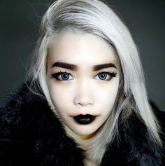 Черная помада: секреты макияжа